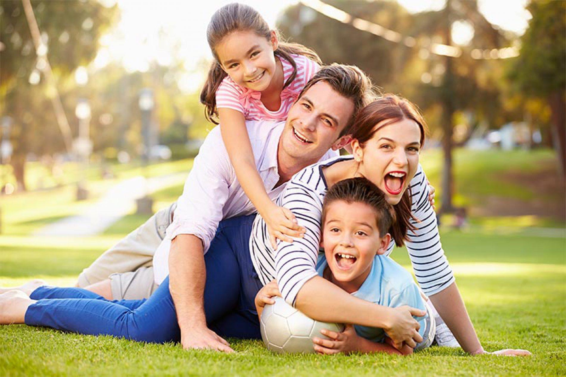 Congedi e tutele previdenziali per i genitori che lavorano