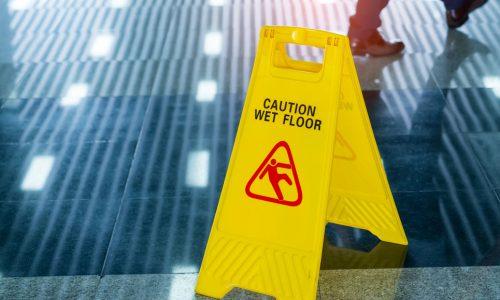 Segnali di pericolo e non responsabilità del datore di lavoro [E.Massi]