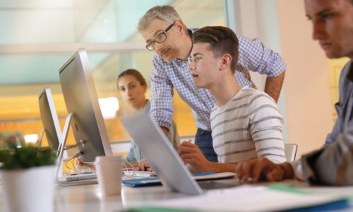 Il fascino dell'apprendistato su giovani e aziende, più 22% dal 2017